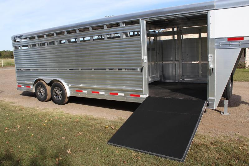 2021 Sooner 24ft x 8ft Show Cattle Stock with Floating Gate