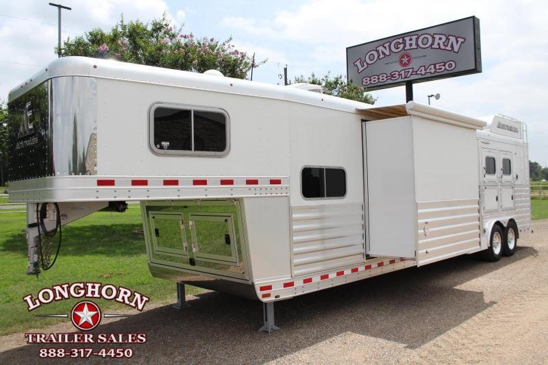 2017 Elite 3 Horse 15ft LQ with Slide Out