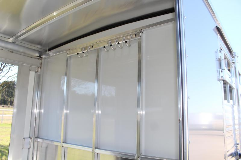 2021 Sundowner Trailers 24ft Show Cattle with Two Side Ramps Livestock Trailer