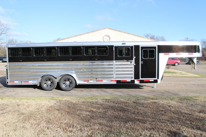 2020 Exiss 24ft Low Pro 10 Pen System with Tack Room