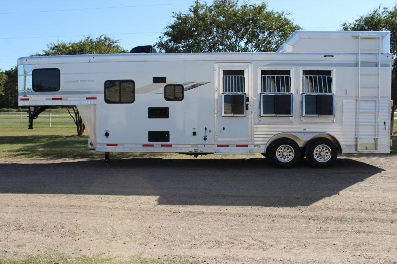 2021 SMC Horse Trailers 3 Horse 9ft Living Quarter Horse Trailer
