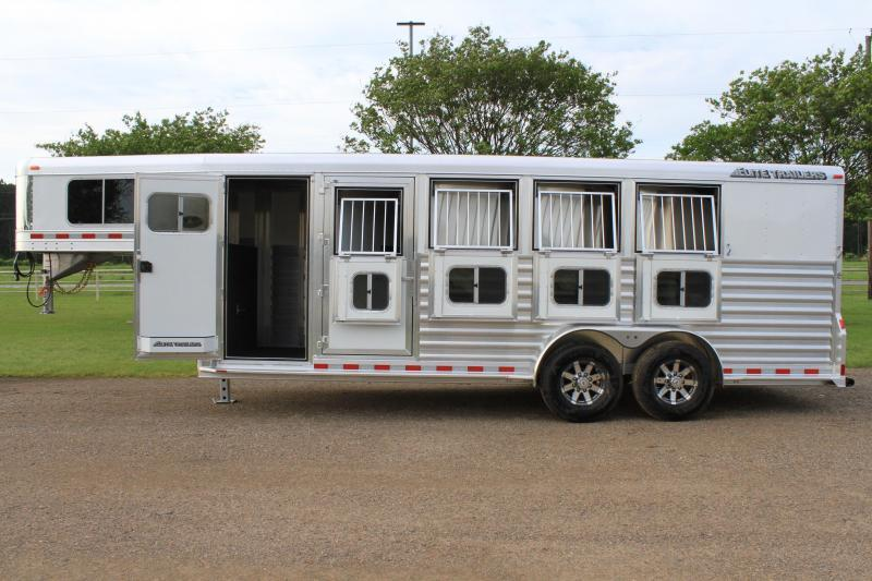 2021 Elite Trailers 4 Horse with Front and Rear Tack Room