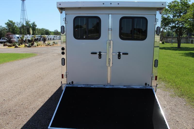 2021 Sundowner 20ft Low Pro Bumper Pull 7.5ft Wide Livestock Trailer