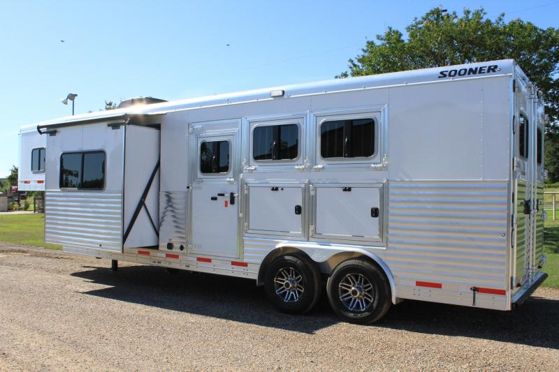 2020 Sooner 3 Horse 10.5ft LQ with Slide and Generator