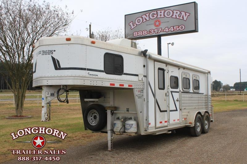2002 Cherokee  3 Horse with Weekend Package LQ