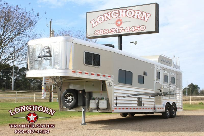 2021 Elite Trailers 3 Horse 12.8ft Living Quarter with Generator Horse Trailer