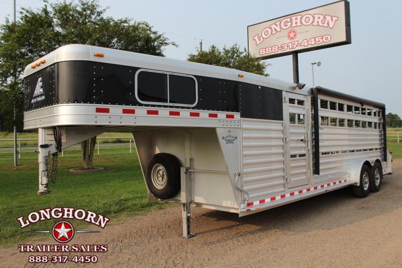 2012 Elite Trailers 24ft Show Cattle Trailer with Awning Livestock Trailer