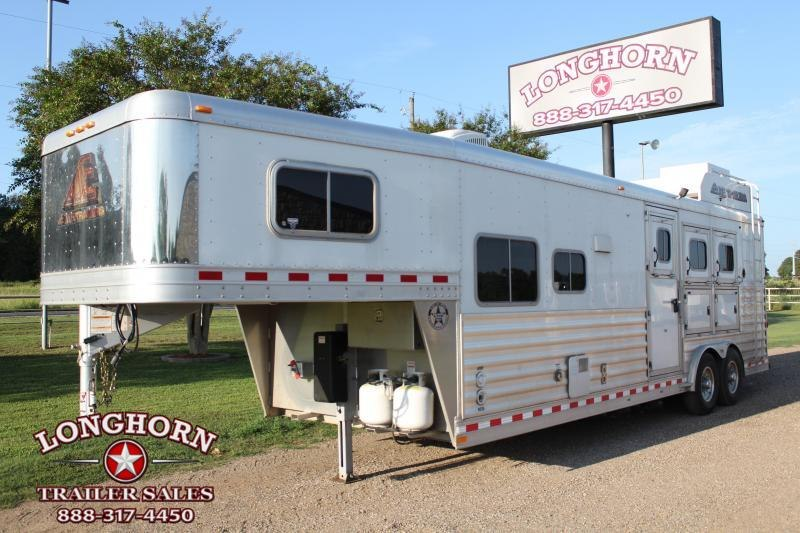 2016 Elite Trailers 3 Horse 10.8ft Living Quarter with Generator Horse Trailer