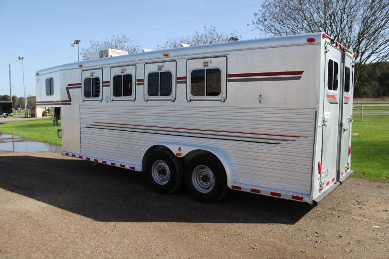 1994 Sooner 4 Horse Goosneck with Front Tack and AC Horse Trailer