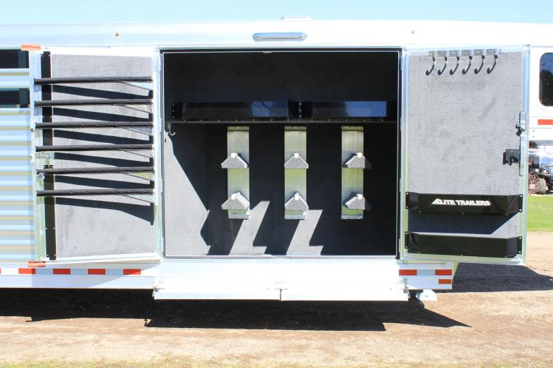 2022 Elite 25ft Combo with Double Door Side Tack