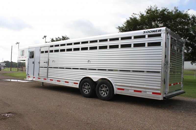 2022 Sooner 28ft x 8ft Show Cattle with Side Ramp Livestock Trailer