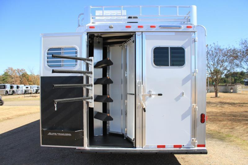 2020 Elite 4 Horse 10.8 Living Quarter with Generator