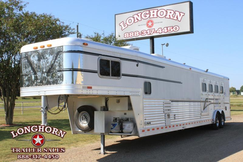 2000 Elite 4 Horse 17' Lq w/ Bunk Beds