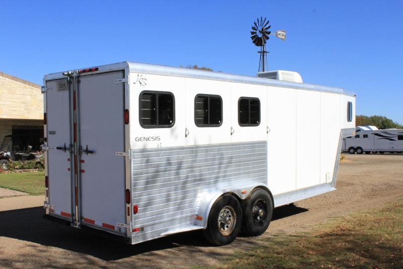 2001 Kiefer Built 3 Horse with Weekend Package LQ Horse Trailer