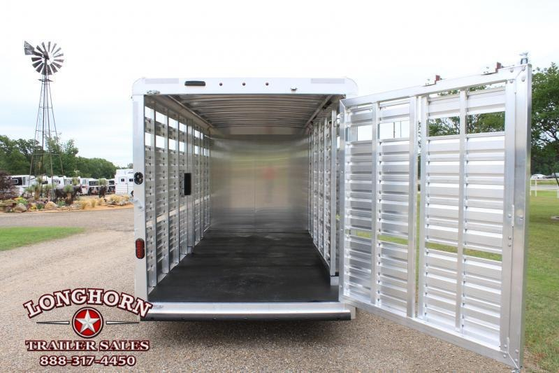 2021 Exiss 21ft Show Cattle with Side Ramp