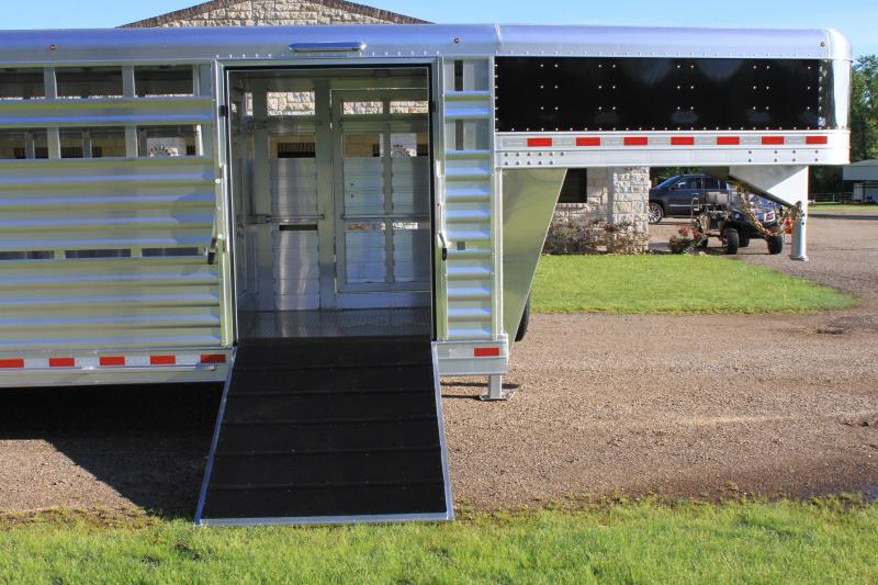 2021 Elite 24ft x 8ft Show Cattle Stock with Side Ramp