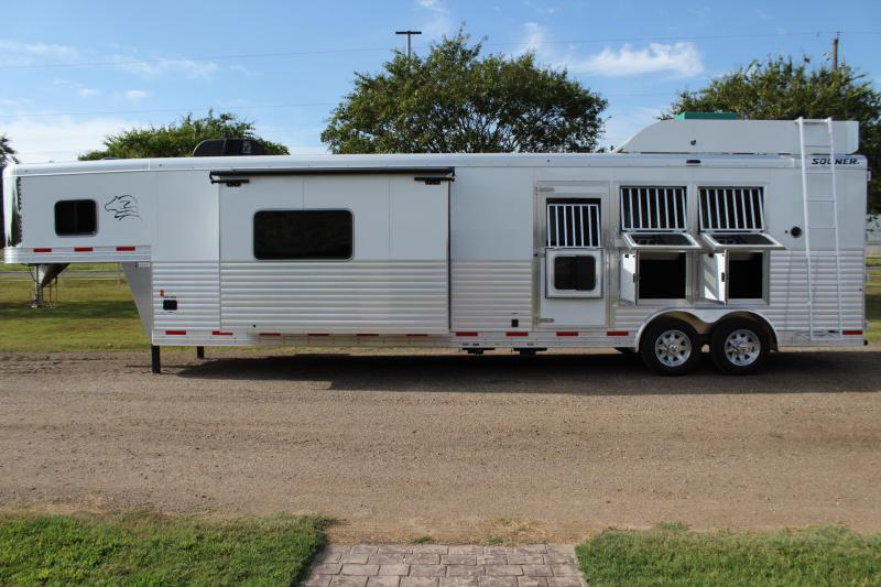 2020 Sooner 3 Horse with 16ft LQ with Slide and Generator