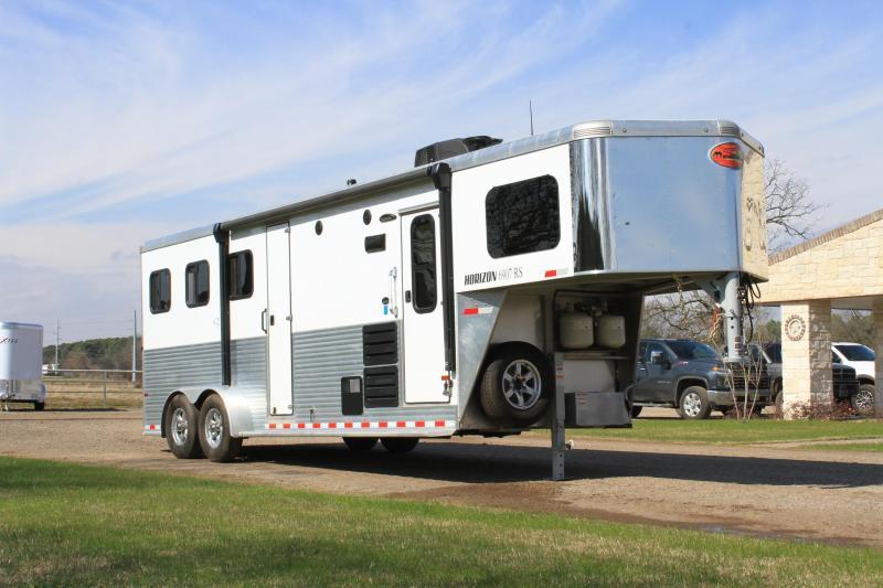 2020 Sundowner Trailers 3 Horse 7ft LQ with Side Closet