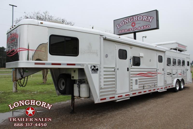 2004 Bloomer 4 Horse 13ft LQ with Midtack and Generator