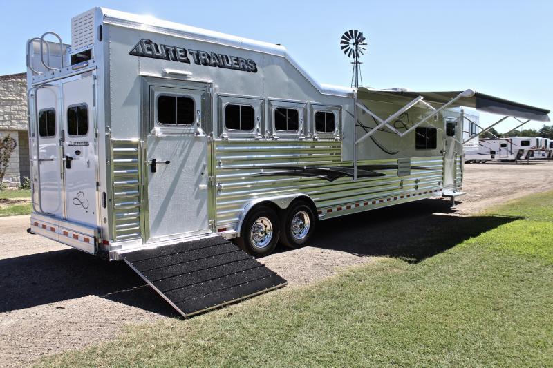 2021 Elite 4 Horse 15ft Living Quarter Side Load Slide Out