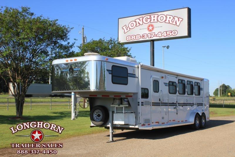 2005 Adam 4 Horse 7' Living Quarter