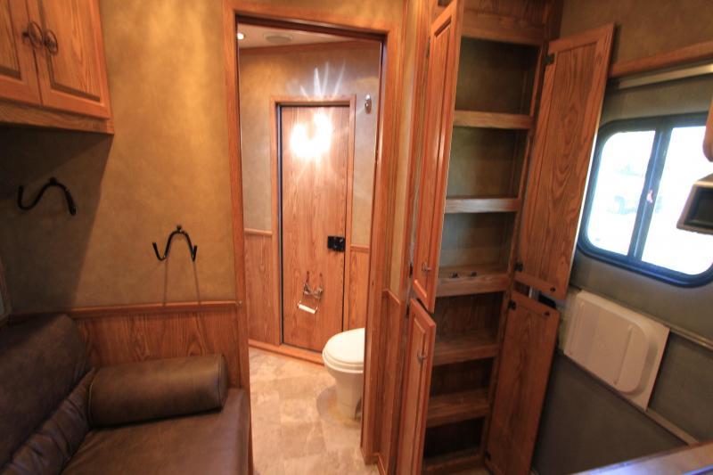 2005 Adam 4 Horse 7' Living Quarter
