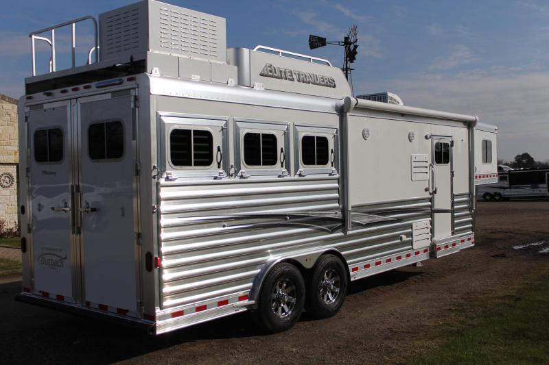 2021 Elite Trailers 3 Horse 10.8ft Living Quarter with Generator Horse Trailer