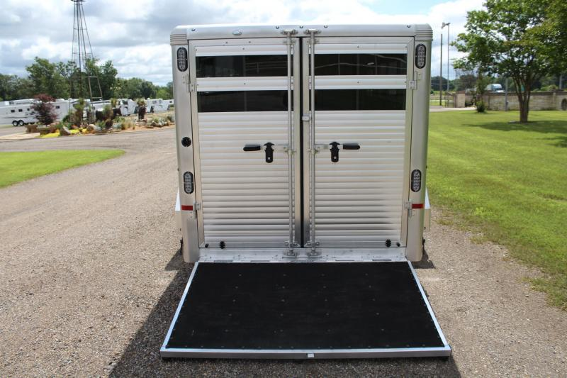2021 Sundowner Low Pro 6 Pen Bumper Pull with Front Tack Room