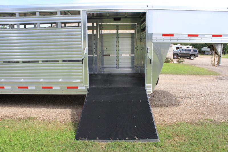 2020 Sooner 24ft x 8ft Show Cattle Stock with Side Ramp Livestock Trailer