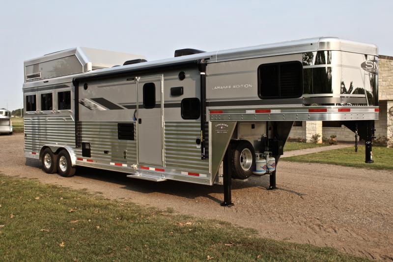 2021 SMC 3 Horse 11ft LQ with Slide and Haypod and Generator