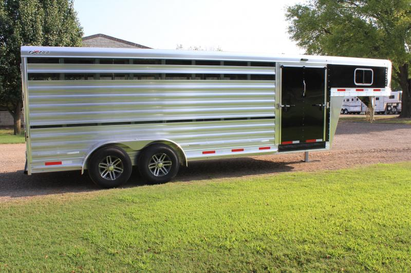 2020 Exiss 21ft Show Cattle with Side Ramp and Plexi