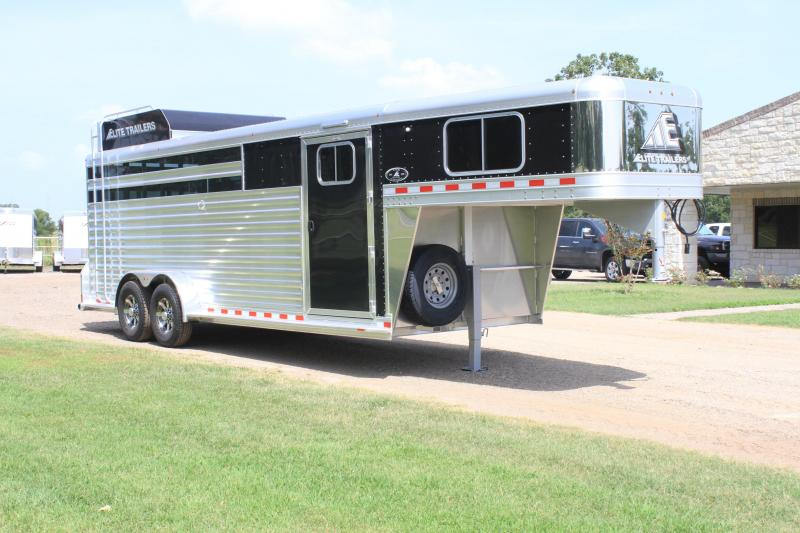2021 Elite 22ft Roper Special with Swing Out Saddle Rack