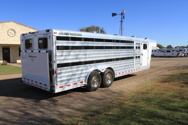 2014 Elite Trailers 10 Pen Gooseneck 8ft Wide Low Pro Livestock Trailer