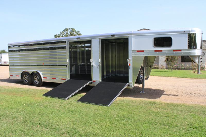 2020 Exiss Trailers 26' Show Cattle / 2 Side Ramps / Floating Gate Livestock Trailer