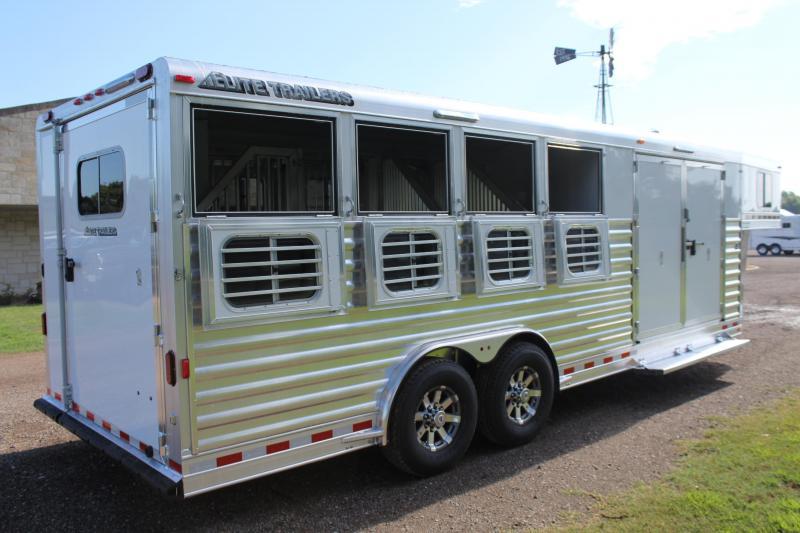 2021 Elite 4 Horse with Split Tack Room