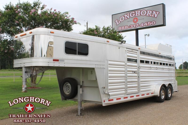 2018 Platinum Coach 4 Horse Stock Combo w/ Dividers