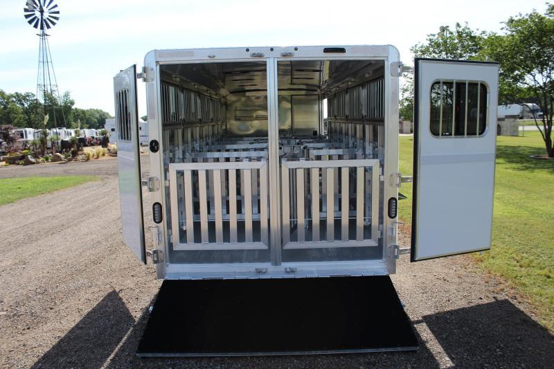 2021 Exiss 25ft Low Pro 10 Pen System with Tack Room