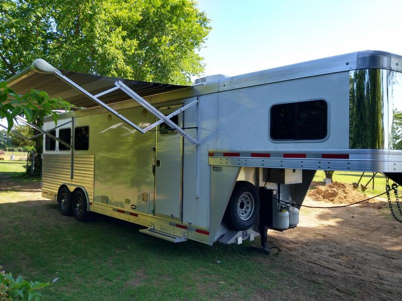 2017 Sierra 3H Aluminum Horse Trailer w/ 8.6' SW Living Quarters