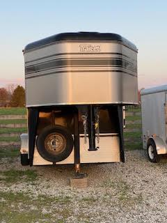 2006 Trail-Et 3 Horse Slant Load Gooseneck Trailer w/ Living Quarters