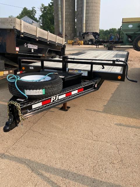 2020 PJ Trailers T8 Deckover Tilt Trailer