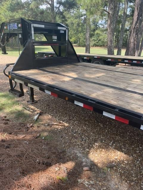 2019 Load Trail 40' Gooseneck Trailer w/ Mega Ramps