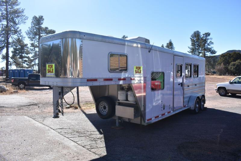 2013 Featherlite 3 Horse Slant with Living Quarters