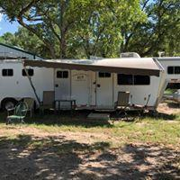 1999 Featherlite 3 Horse Gooseneck Trailer with 12' LQ