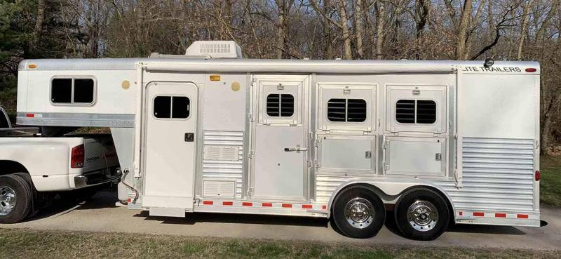 1999 Elite 3 Horse Slant w/ Weekend Package