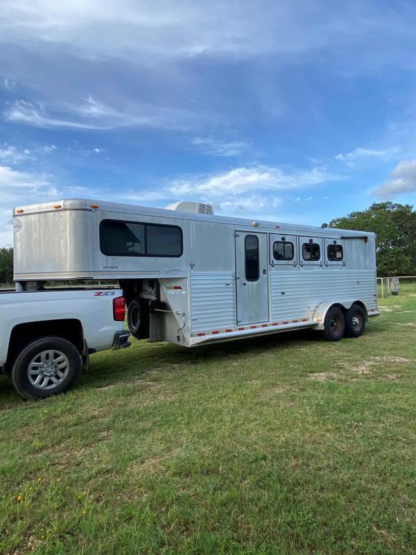 2000 Sundowner ProStock MP 3 Aluminum Horse Trailer w/ Weekend Pack