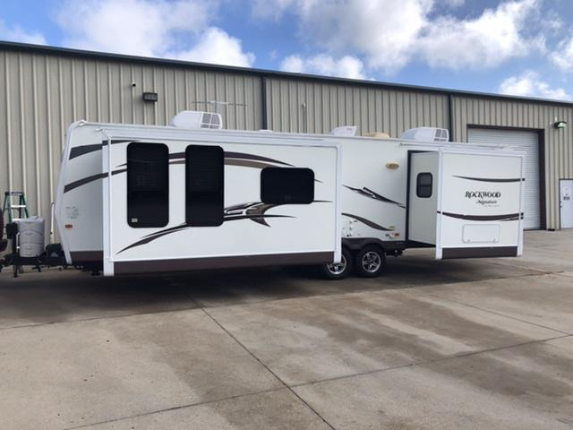"2014 Rockwood Signature Ultra Lite 34'9"" Travel Trailer"