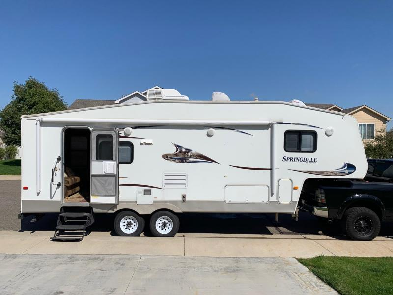 2011 Keystone Springdale Fifth Wheel Trailer