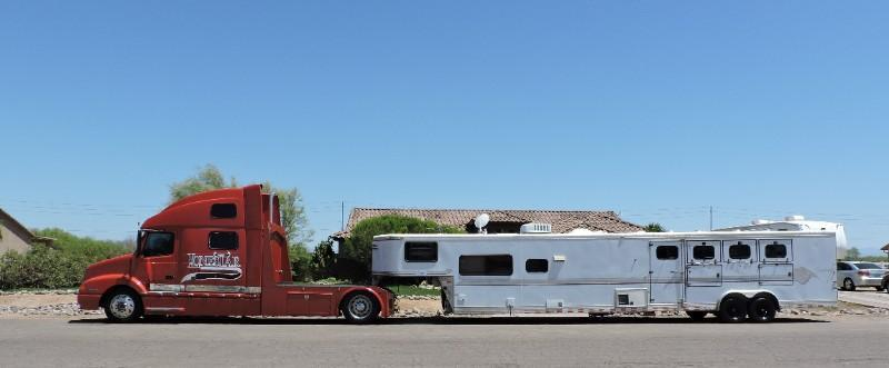 1999 Sundowner Sierria 8014 Living Quarter 4 Horse Trailer