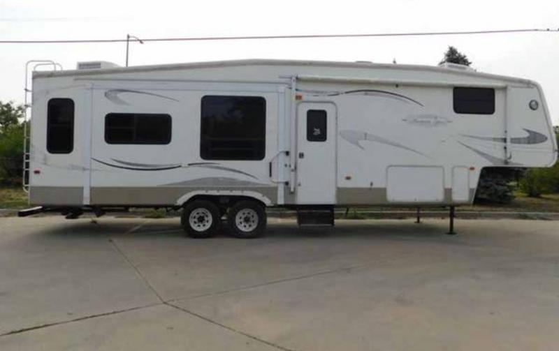 2006 Keystone Montana Mountaineer 36' Fifth Wheel