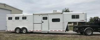 2000 Elite 3 Horse Slant Trailer w/ 10' SW